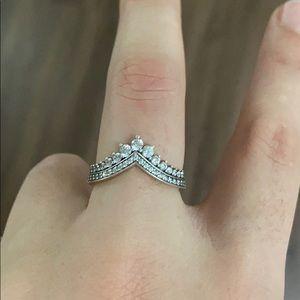 Pandora ring crown